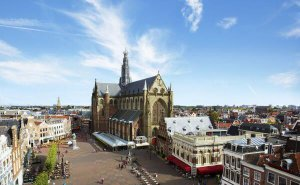 Grote Markt and Grote of St.-Bavokerk