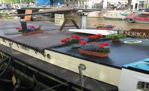 Houseboat museum